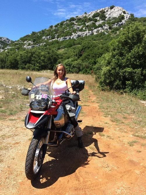 2760edec496 ... požadovaného značkového moto-oblečení - ať už se jedná motocyklistické  přilby